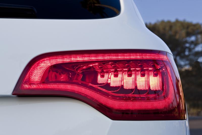 facelift-taillights-70242988.jpg